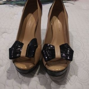 Antonio Melani heels. Black / cream. Size 7.